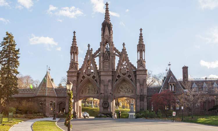 visitare cimitero brooklyn