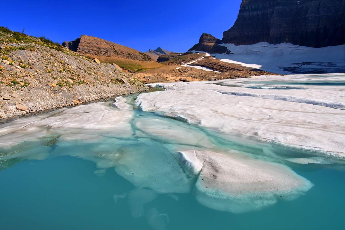Grinnell Glacier Pond trail